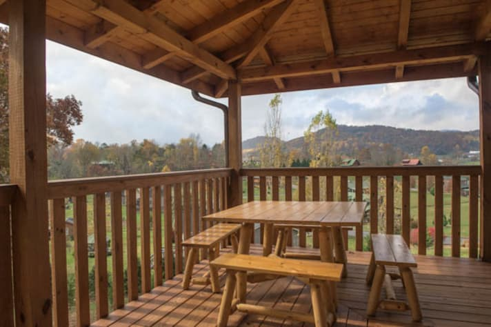Pigeon Forge, Tennessee Chalet Rental - Gallery Image #5